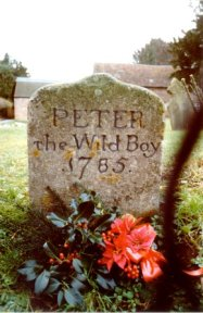Peter the Wild Boy grave with Xmas wreath_bk7058
