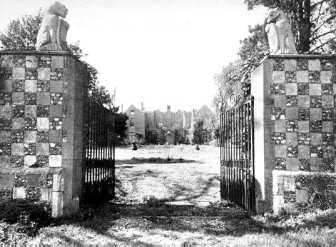 Gateway to Berkhamsted Place